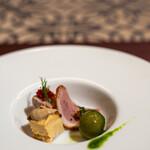 樹癒え - 種付きグリーンオリーブ、オマール海老のキッシュ 蟹味噌ソース、パテ・ド・カンパーニュ、薄切り鴨肉