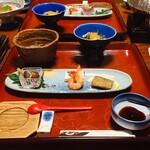 純和風旅館泉屋 - 鍋の容器が雰囲気だしてる!