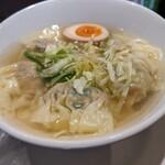 香港雲呑専門店 賢記 - 野菜肉ワンタン麺 太麺