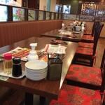 北京烤鴨店 - 広い店内