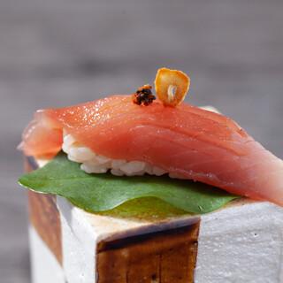 各お料理に合せた日本酒を取り揃えております。