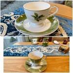 クリマ ディ トスカーナ - 上:くすのき邸から譲り受けたカップ 下:ノリタケ食器