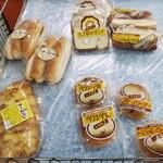 まるそうパン - 料理写真:スーパーみなみでは複数のまるそうパン製品を購入できます。