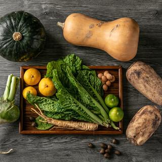 野菜もオーガニックが中心。各地の健康な野菜の味わいを。