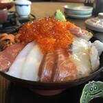 141592850 - 極み海鮮丼