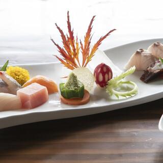 日本・中国・オランダの文化が混じり合う卓袱料理◎