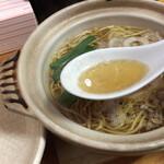 鍋焼きラーメン千秋 - スープ