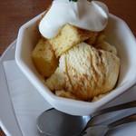 アイリーカレーハウス - セットのデザート:チャイのアイス