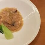 141615405 - 鮑のフカヒレ餡掛け 青梗菜