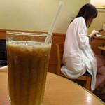ドトールコーヒーショップ - アイスコーヒー \200