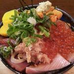 漁師小屋 番屋 - 大漁丼1660円(税込み)