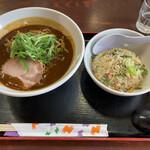 鶏白湯専門店 五星村 - カレーラーメン+半チャーハン