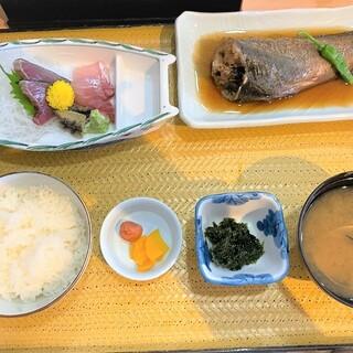 斎春 - 料理写真:齋春商店@松川浦港 日替り定食(1100円)