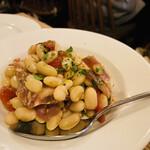 フニクラ - 白インゲン豆とコッパのサラダ ラズベリービネガー風味600円
