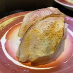 回し寿司 活 活美登利 - 炙りのどぐろ@360円