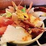 居酒屋 まる甚 - 海鮮丼 1,800円(税別)