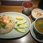 タイの食卓 オールドタイランド - カオ・パット・クン