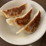 大龍軒  - 餃子3個