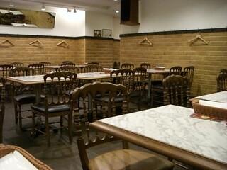PIZZERIA CAPOLI - 店内 分煙で禁煙席◎