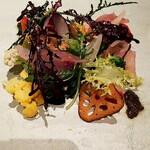 Reglisse - 長崎五島列島赤イサキの昆布〆カルパチョ              NOTO 高農園野菜サラダ