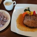 チョイス - 料理写真:ローストポーク、雑穀米、スープ