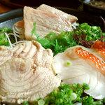 本家鮪屋 - 鮪の大トロ、頭トロ、稲取産とろ金目鯛の炙り