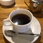 イージーベア - ランチにはコーヒーが付きます。