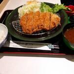 tonkatsutowashokunomisechouhachi - 上ロースかつ定食
