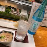 鮨いわまる - 麦焼酎ソーダ割で乾杯! お通しの 魚介のクリームシチューが絶品でした!(冬季限定)