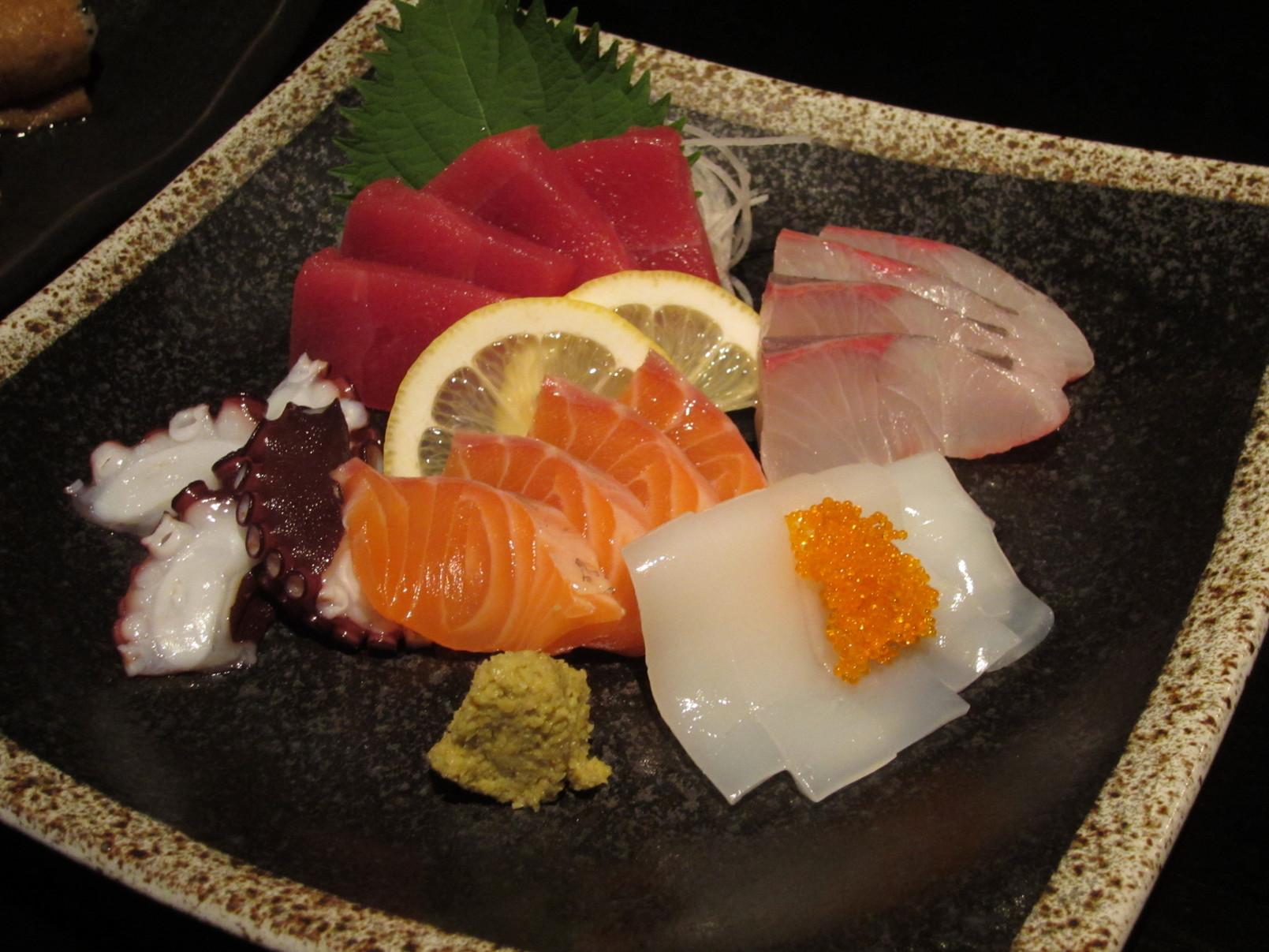 串と魚 にぎわい