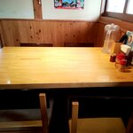 竹田の中華そば こっとん - テーブル
