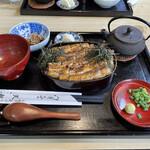 天勢 - 鰻ひつまぶし ¥3,000-
