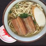 中城パーキングエリア(下り線) - 料理写真:三枚肉そば (小)