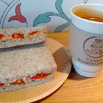 141727016 - ドライトマトとツナのサンドイッチ、アメリカーノ