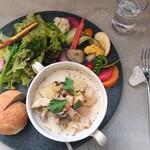 メッサペッサ - 料理写真:お野菜プレート