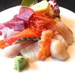 食事処きかく - 料理写真:海鮮丼(10品) ¥970