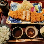 Kitashinchikushiagekanayama - ソースやおろしポン酢に椀物やとろろ、しそご飯や香の物付き!豪華な雪室熟成豚ロースかつ定食1,280円