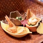 141787402 - 竹コース(6450円)サ料別途10%/八寸/柿白和え、しめじ青菜浸し、海老おかき揚げ、くわい煎餅、銀杏