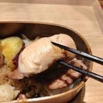 ワインショップ&ダイナー FUJIMARU - 柔らかくふわふわのささみ肉