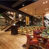 レストラン&バー インザパーク - 内観写真:開放的な店内。友人と恋人と仲間と・・・素敵な時間をお過ごしください!!