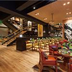 レストラン&バー インザパーク - 開放的な店内。友人と恋人と仲間と・・・素敵な時間をお過ごしください!!