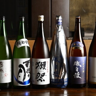 房総の肴に合わせる千葉の地酒。全国の貴重な銘酒もそろいます