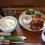 ファーマーズ・カフェ 風土 - 大雪なたまごのカフェ丼ランチ(950円)