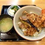 銀座 長寿庵 - 開府天丼(¥1620)。海老・茄子・かぼちゃ・ししとうに加え、江戸前の穴子が入ることが命名の由来