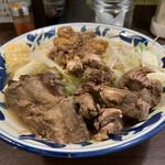 豪麺 マルコ - 小ラーメン・太麺・ニンニク+角切りチャーシュー(730円+HotPepperクーポン)