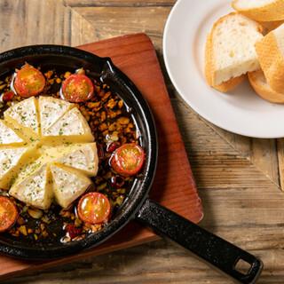 お料理に合うワイン、豊富な小皿料理も魅力的なディナーメニュー
