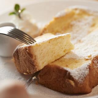 大人気のフレンチトーストはバリエーションも豊富♪