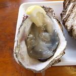 ヤマサ鮮魚本店 - 岩牡蠣中