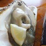 ヤマサ鮮魚本店 - 岩牡蠣大