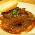 Trattoria VICINO - シェフのスペシャリテのひとつ。鶏白レバーのマルサラ煮。モチモチのフォカッチャ添えで。